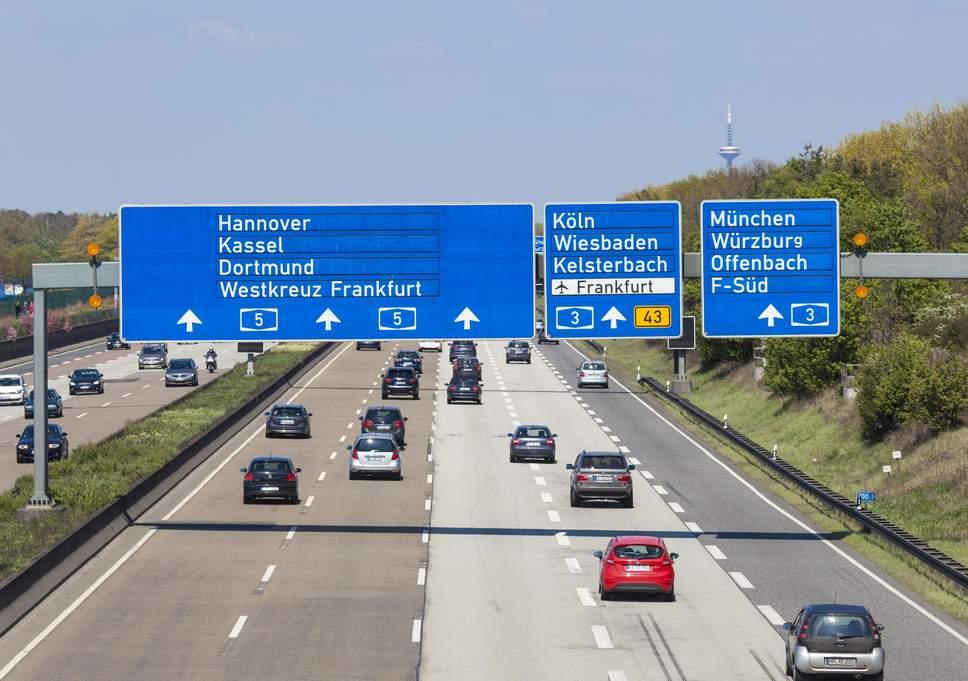 lái xe road trip Đức